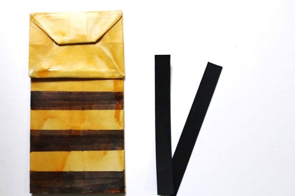 bee paper bag puppet